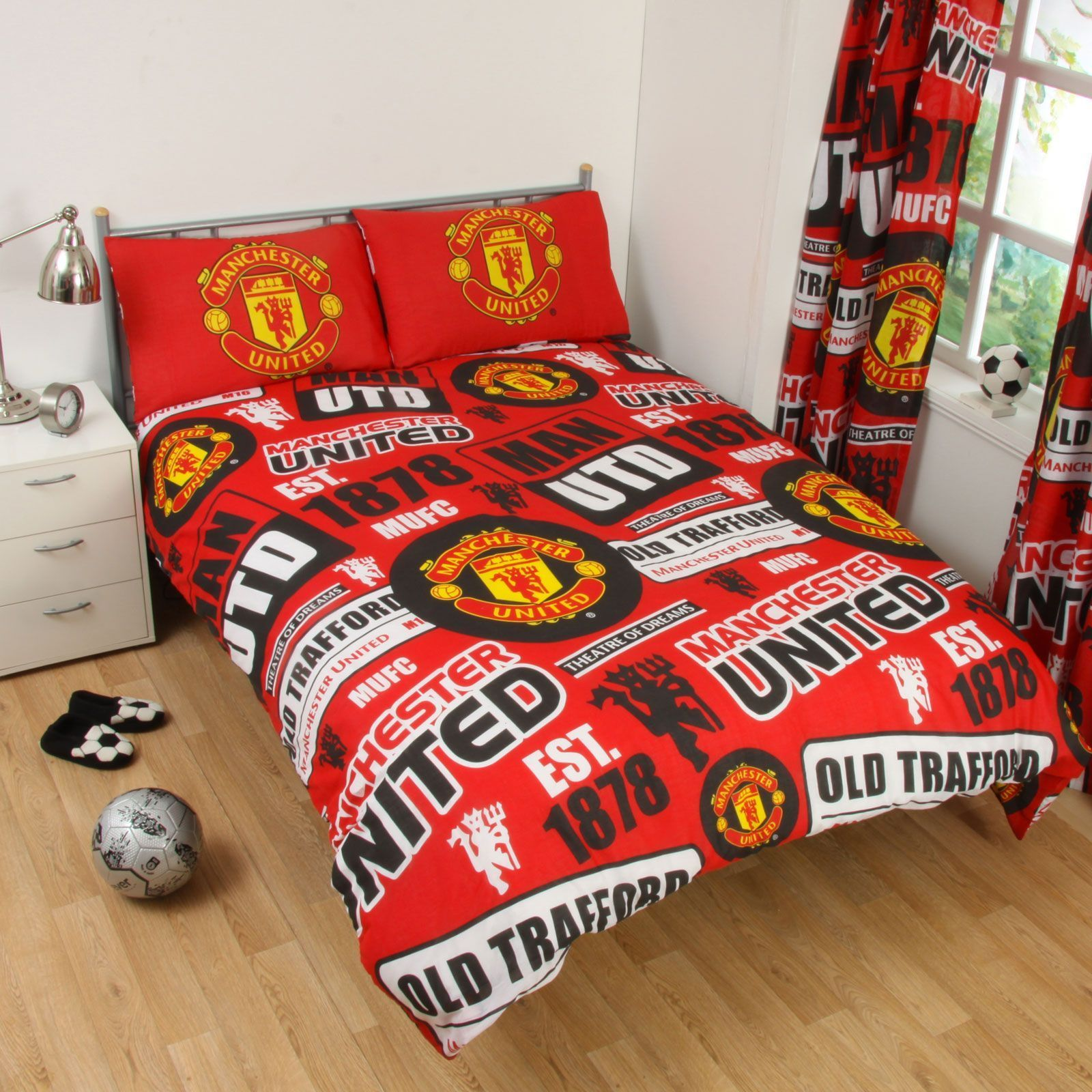 OFFICIAL MANCHESTER UNITED FOOTBALL DOUBLE DUVET QUILT