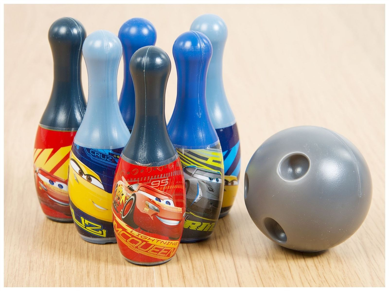Official Disney Cars New Bowling Set With Ball 6 Pins